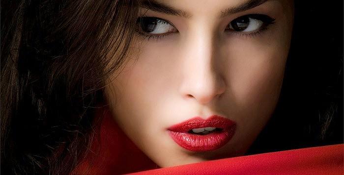 Идеальный макияж губ. Стойкость и насыщенность цвета