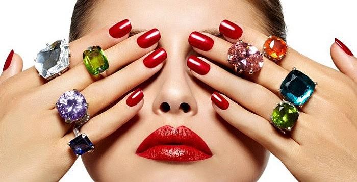 Выбор лака для ногтей с учётом цветотипа