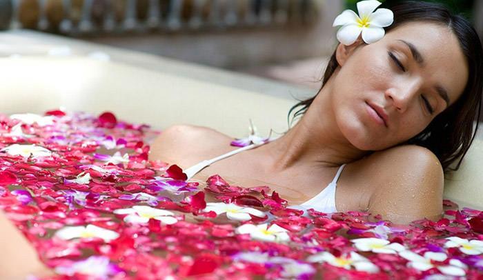 Необычные цветочные и эфирные ванны для красоты